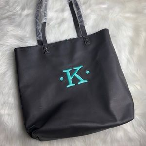 🆕Thirty-One Around Town Monogramed Black Tote
